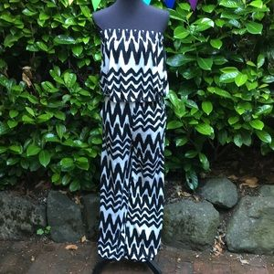 Strapless jumpsuit.  With pockets.